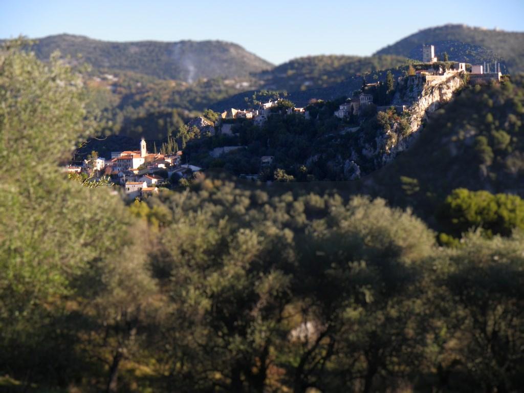 tourrette-levens, tilt-shift castle and village