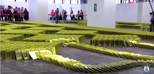 guinness world record, most books toppled like dominoes, frankfurt book show