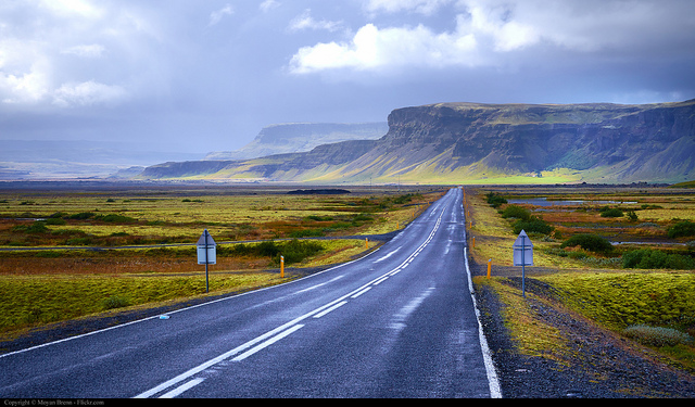 iceland scenery by moyan brenn on flickr