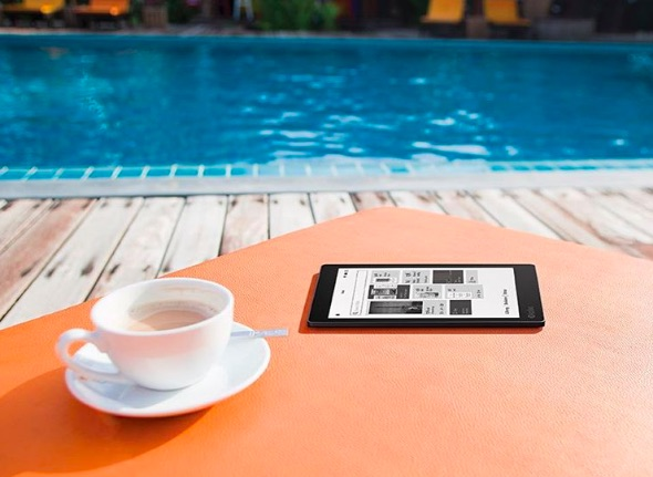 kobo aura one ereader by a pool