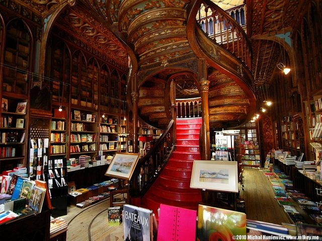 Lello bookstore, Porto, Portugal. Photo: Michal Huniewicz