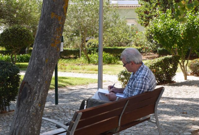 tavira, a non-digital nomad in a park