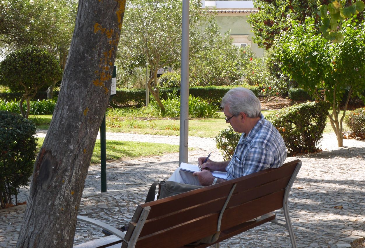 Tavira, Portugal: a non-digital nomad in a park