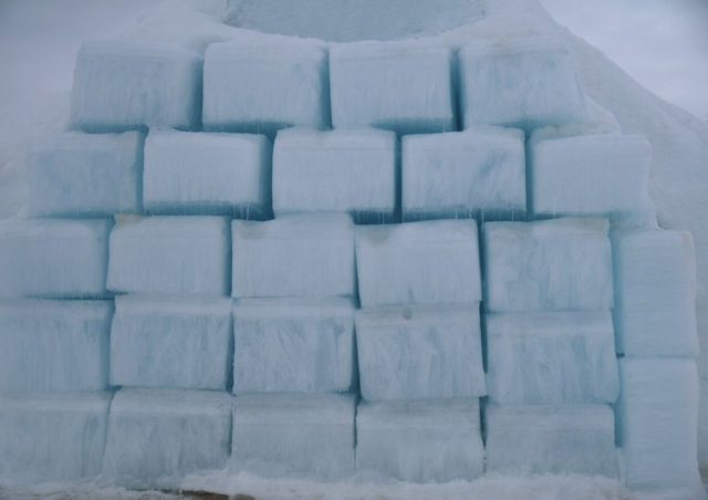 ice blocks for icehotel