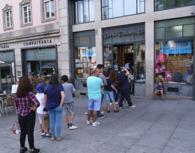 Porto, Portugal. bookstore queue