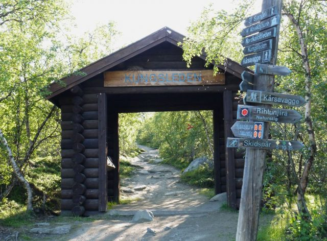 Lapland (Klaava Travel Guide) , Abisko hiking path