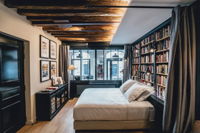 Paris Boutik hotel room library bookstore