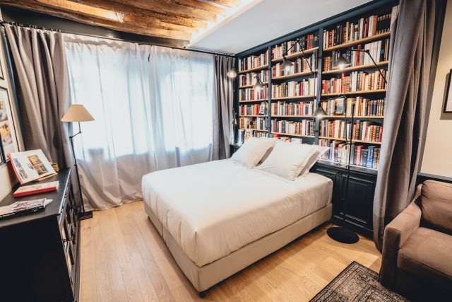 Paris Boutik hotel, library room