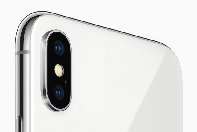 Apple iPhone X two cameras at the back: wide-angle and  telephoto