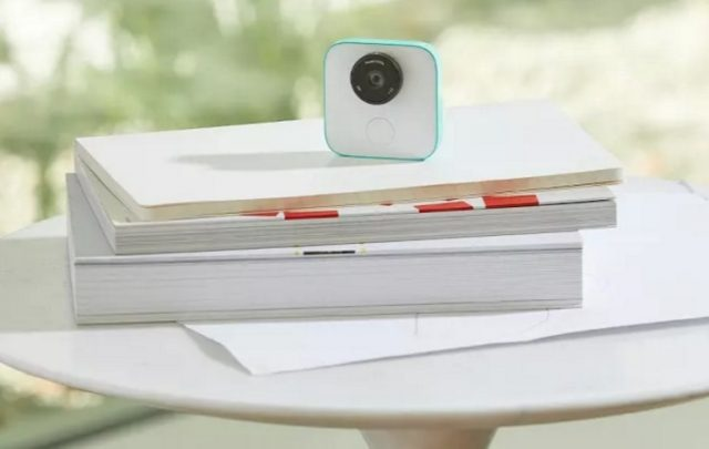 Google Clips camera with intelligent photo capture