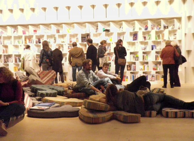 people reading books at Frankfurt book fair