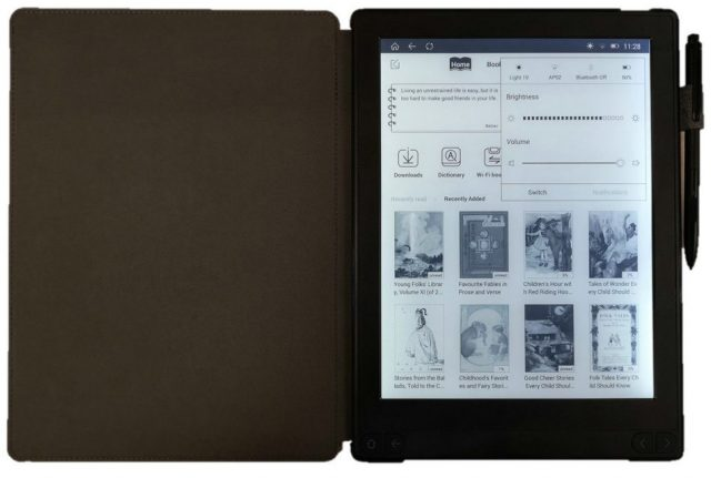 Bouye Likebook Note e-reader comes with case