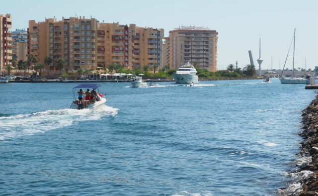 canal connects mediterranean sea and mar menor